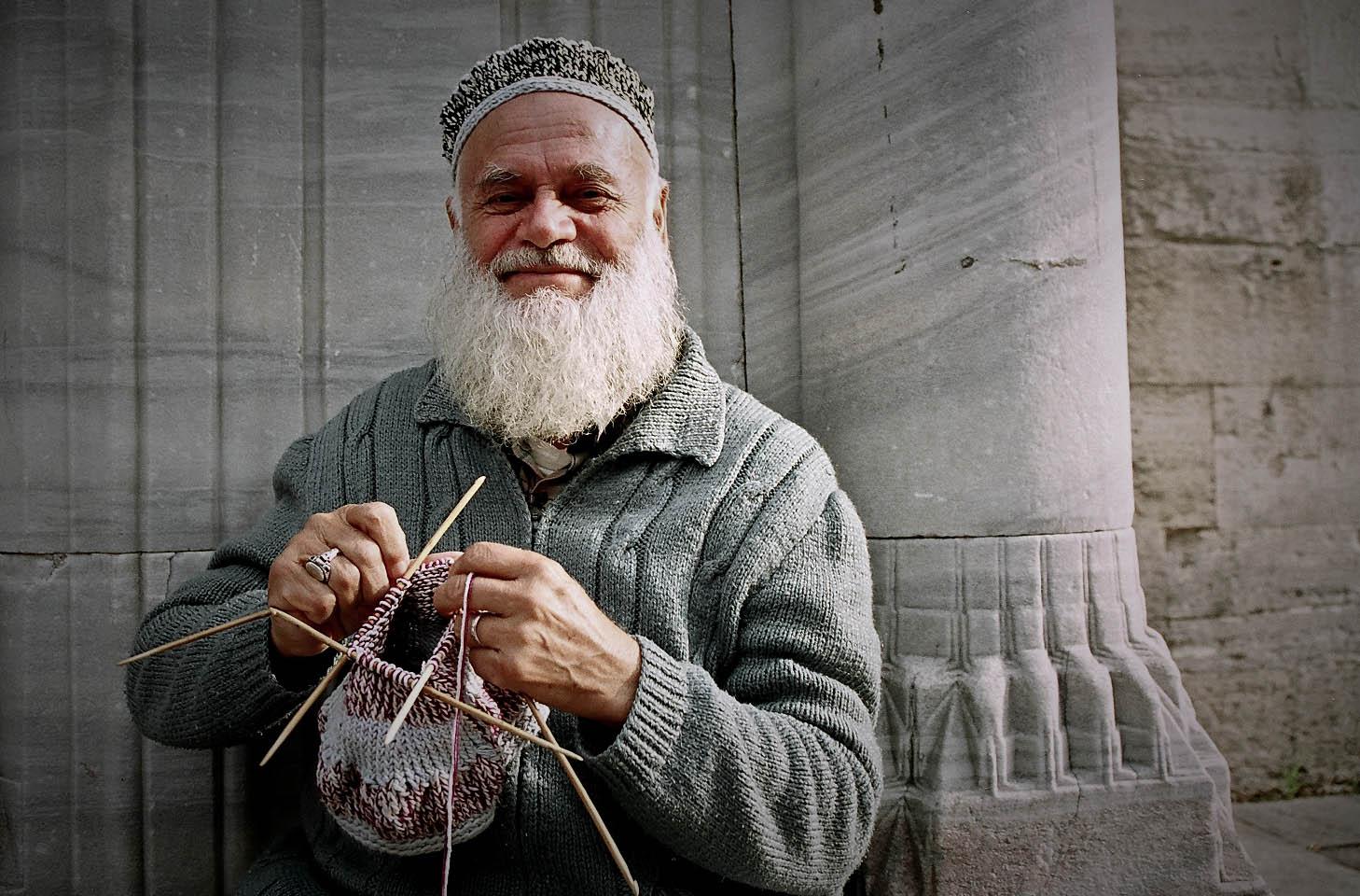 knitting-man-1-of-11.jpg