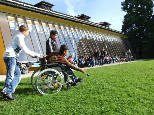 wheelchair-538138_1920