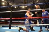 Kiütés lánykéréssel - megható fotók a ringből