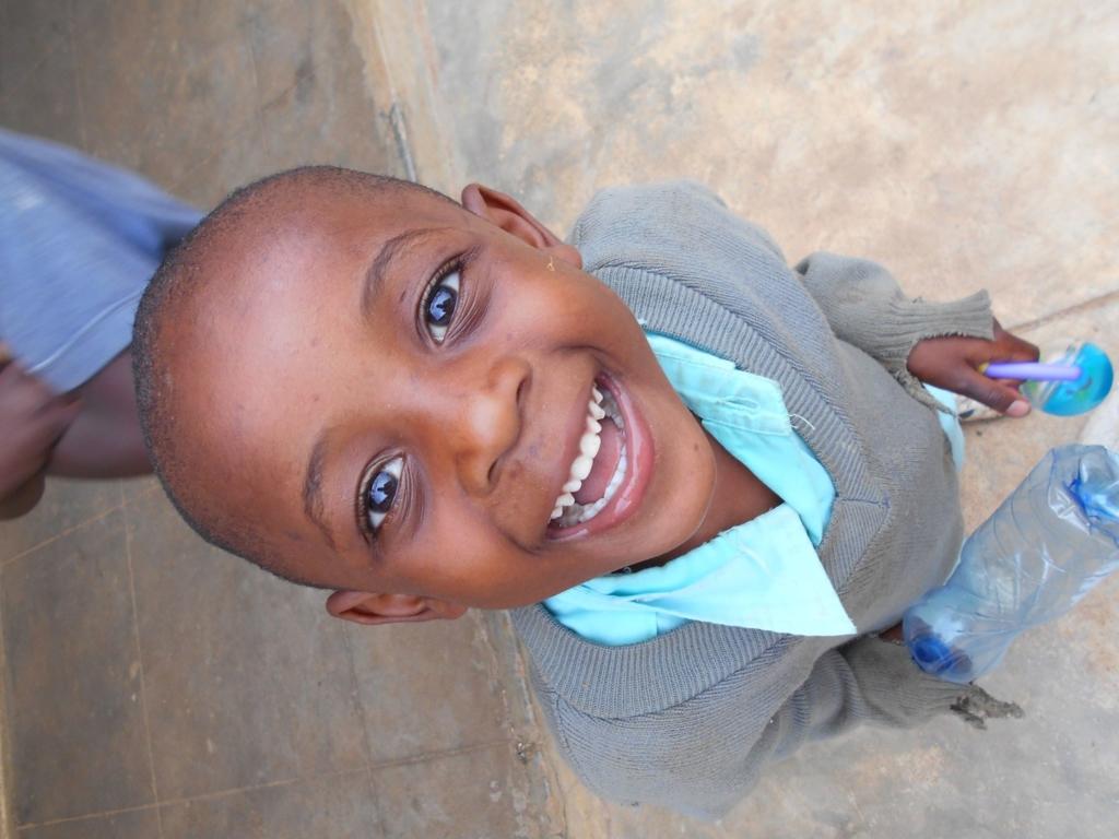 Mosoly a nyomorban - döbbenetes élmények egy kenyai árvaházban