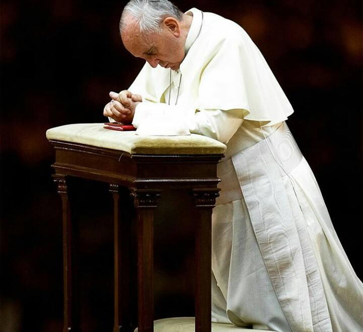 Világifjúsági találkozó: a pápa az auschwitzi táborban imádkozott