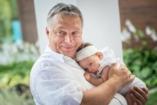 Orbán Viktor alig fér az unokájához