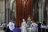 Forró a hangulat a pápai család-gyűlés körül