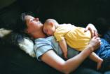 Együtt alszunk a babával. Probléma?