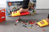 Papucs a Lego-tól