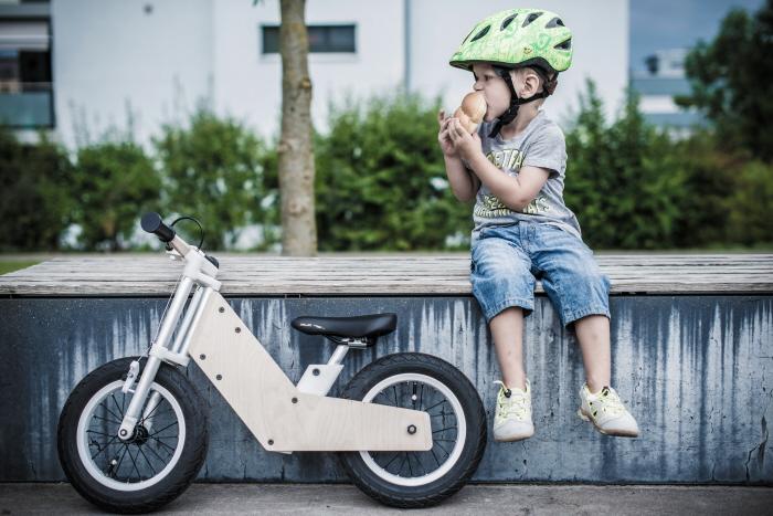Ingyen gyermekkerékpárral ösztönzik leszokásra a dohányos szülőket