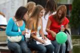 Világszerte egyre kevésbé vallásosak a fiatal felnőttek