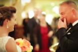 VIDEÓ: Amikor a vőlegény először látja meg a menyasszonyt