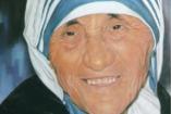 Szentté avatta Teréz anyát a katolikus egyházfő