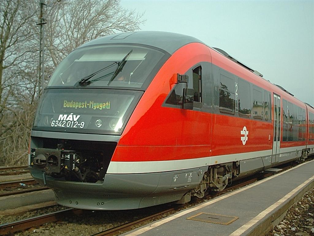 Íme Magyarország első női mozdonyvezetője!