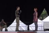 Harcművészet felsőfokon: Így kéri meg egy rendőrtanonc a barátnője kezét