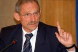 A belügyminiszter cikkünk kapcsán: tilos Magyarországon gyerekkel koldulni!