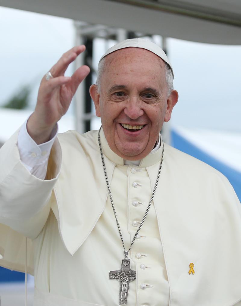 A család a férfi és nő közötti házasságon alapul - áll a püspöki szinódus záródokumentumában