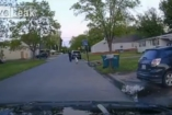 VIDEÓ: Mit akarnak ezek a rendőrök a kisgyerektől?