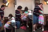 Így kérte meg a Down-szindrómás fiú barátnője kezét