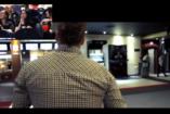 VIDEÓ: lánykérés moziban