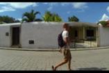 VIDEÓ: Megható szülinapi ajándék a világ végéről...vagy mégsem onnan?