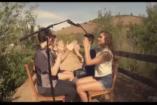VIDEÓ: Acapella a tanösvényen