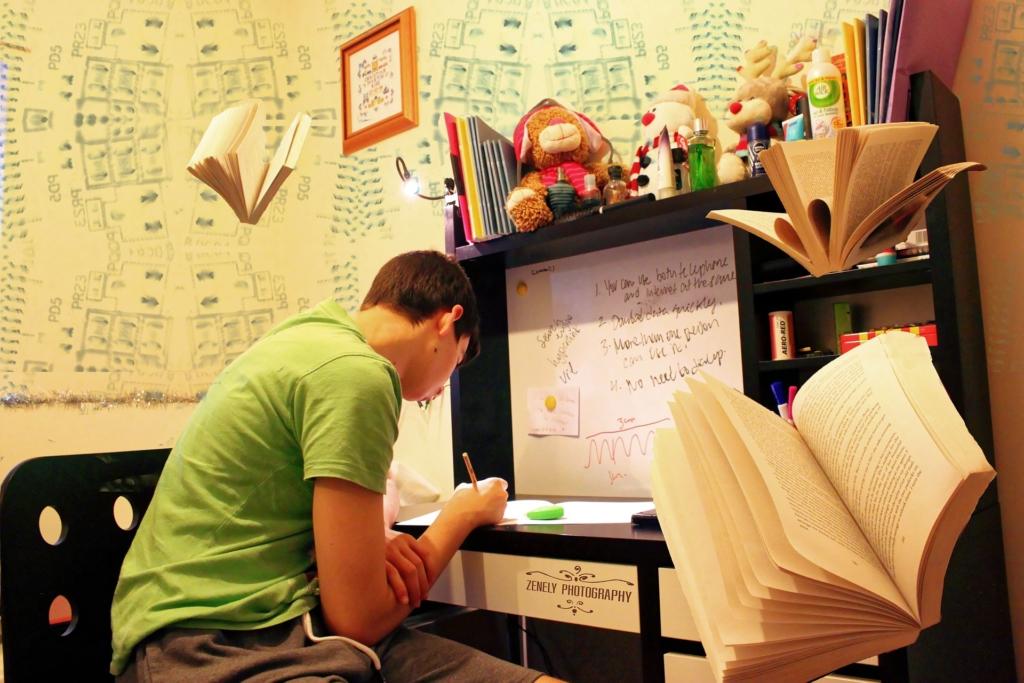 Rétvári: A diákok kétharmada ingyen juthat tankönyvhöz