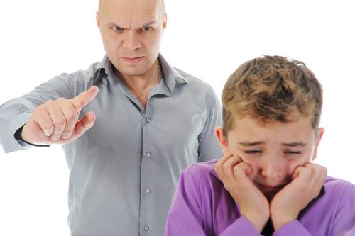 Dühkezelés családon belül: mit tegyek, kihez forduljak?