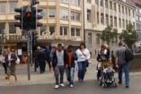 VIDEÓ: Vicces, de veszélyes közlekedési lámpa