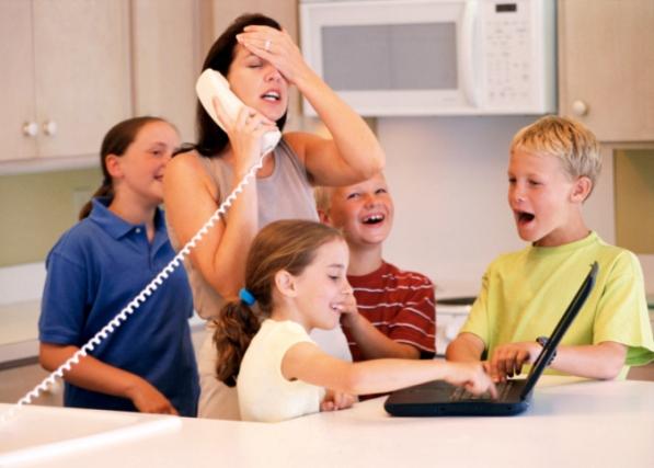 Otthonról dolgozás gyerekekkel? Így éld túl!
