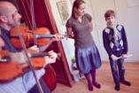 Fantasztikus eredmények koraszülötteknél – a zenei fejlesztés jótékony hatásai