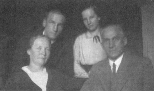 Placid atya 1933-ban a családjával