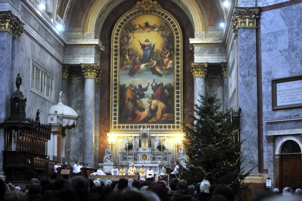 Erdő Péter: Jézus békét teremt Isten és az emberiség között