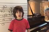 Ez egész egyszerűen felfoghatatlan: az abszolút hallás világbajnoka ez a kisfiú!