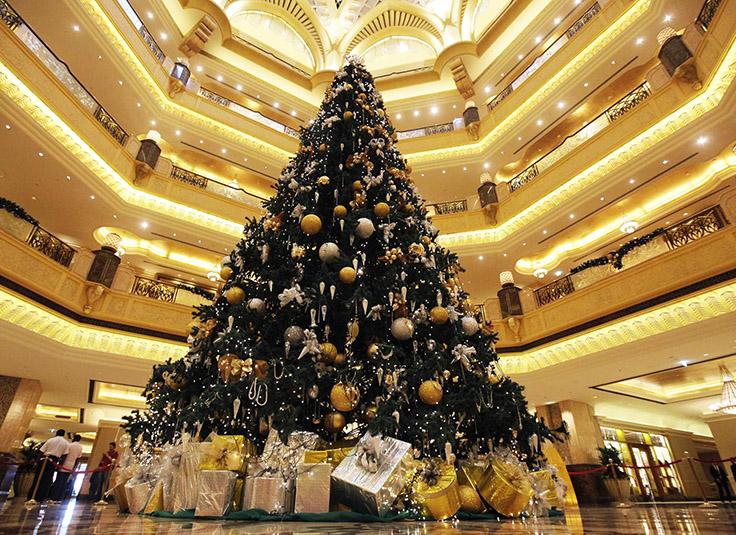emirates-palace-christmas-tree