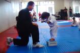 Tündéri, ahogy ez a kisfiú első taekwondo-vizsgáját csinálja!