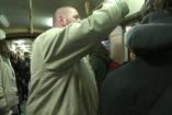 Meglepetés a villamoson - Bolyki Balázs énekelt az utasoknak!