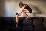 Ezért nem kell a szülőknek bicepszre gyúrni
