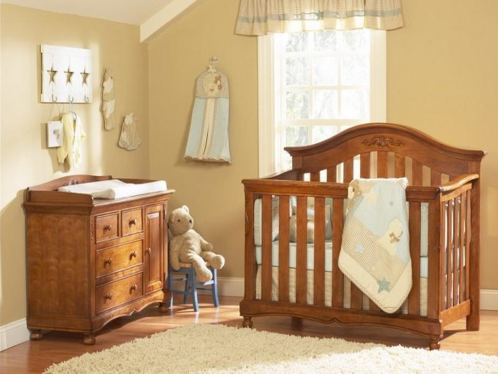 simple-wooden-nursery-furniture-with-cream-fur-rug-plus-khaki-wall-paint-color-background