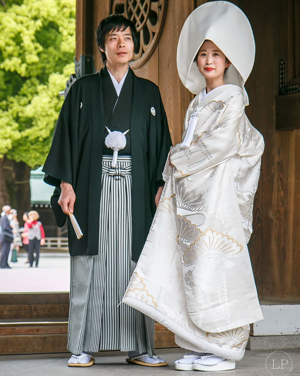 traditional-wedding-dress-6-578f74069e9c3__605