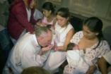 Ferenc pápa szoptatásra buzdította az anyákat a Sixtusi kápolnában