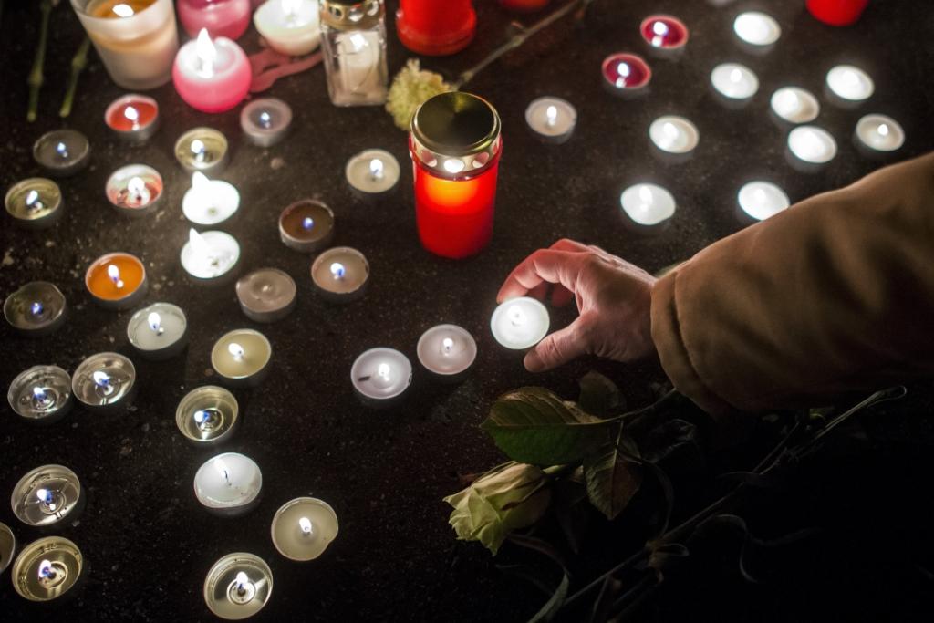 Így emlékeznek a buszbalesetben meghalt diákokra és tanárokra