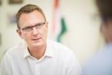 Rétvári: 2018-ban még több támogatást nyújtanak a családosoknak
