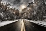 Így néz ki az út havazás után Ausztriában és nálunk - Megdöbbentő a különbség