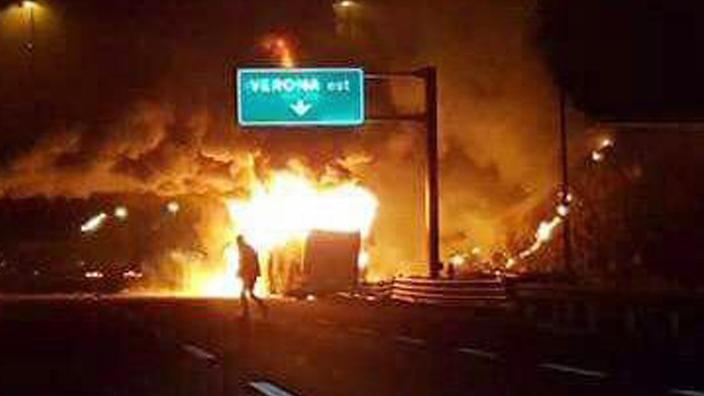 Súlyos mulasztások az olasz autópályán - egyértelműen elkerülhető lett volna a veronai baleset! Egy apa vallomása!