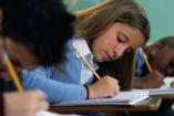 Tehetséges fiatal lányokat támogat az EMMI