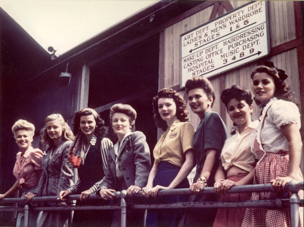 Mit hordtak a nők az 1940-es években?