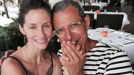 Megszületett Jeff Goldblum második kisfia: micsoda nevet kapott!