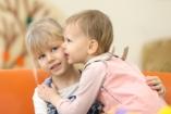 Rétvári: egyre több gyereknek van esélye intézet helyett családba kerülni