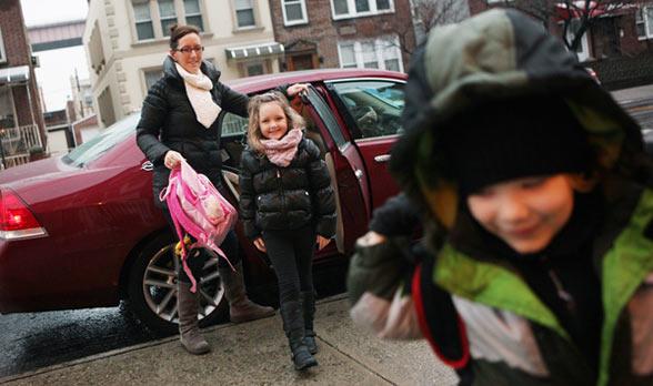 Miért szívatják a közteresek a szülőket?