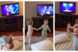 """Kétéves ikerbabák """"adják elő"""" a Jégvarázst!"""