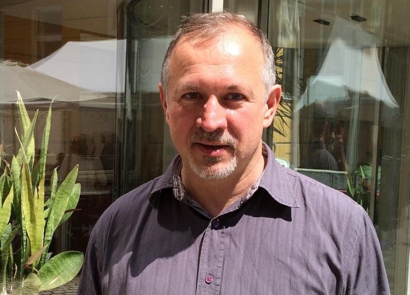 """""""Nincs nagy tervem, csak egy kis csendes apaforradalom"""" – interjú Léder Lászlóval, az Apa Akadémia alapítójával"""