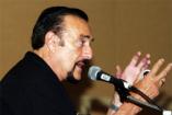 """Zimbardo: """"Az online hedonizmus a nap 24 órájában elérhető"""""""