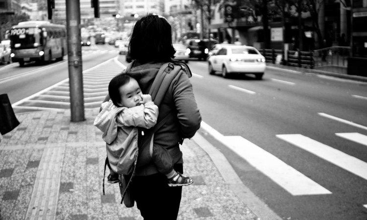 Szingli anyák Japánban – a társadalom szégyenfoltjai
